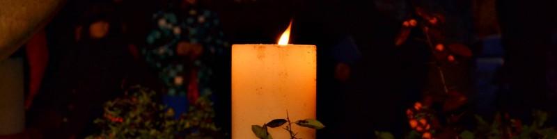 Meggyújtották az első adventi gyertyát Verőcén