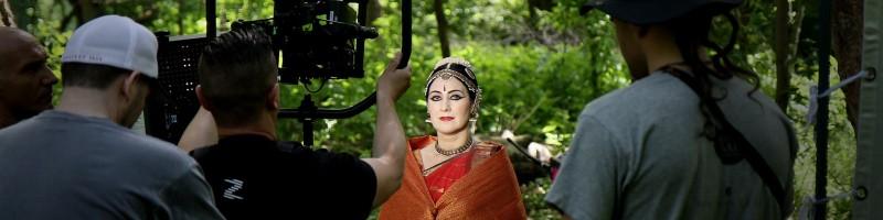 VERŐCE | INDIA |HOLD |TÁNC