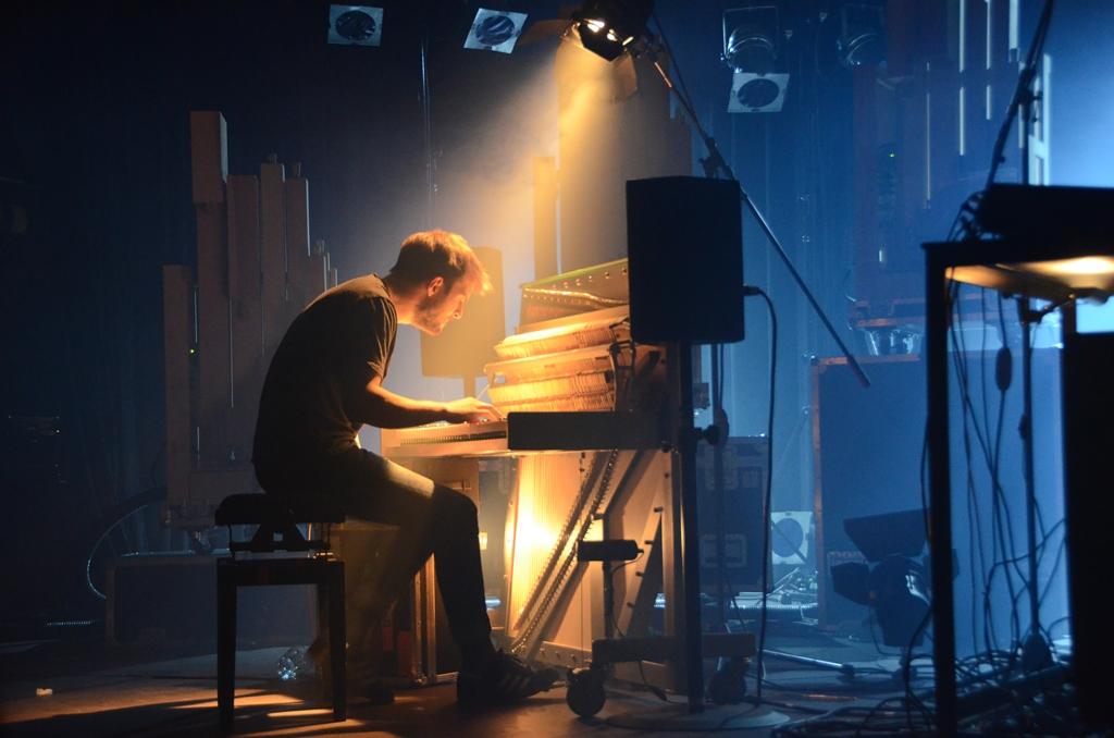 Nils Frahm az Una Cordán játszik 2015